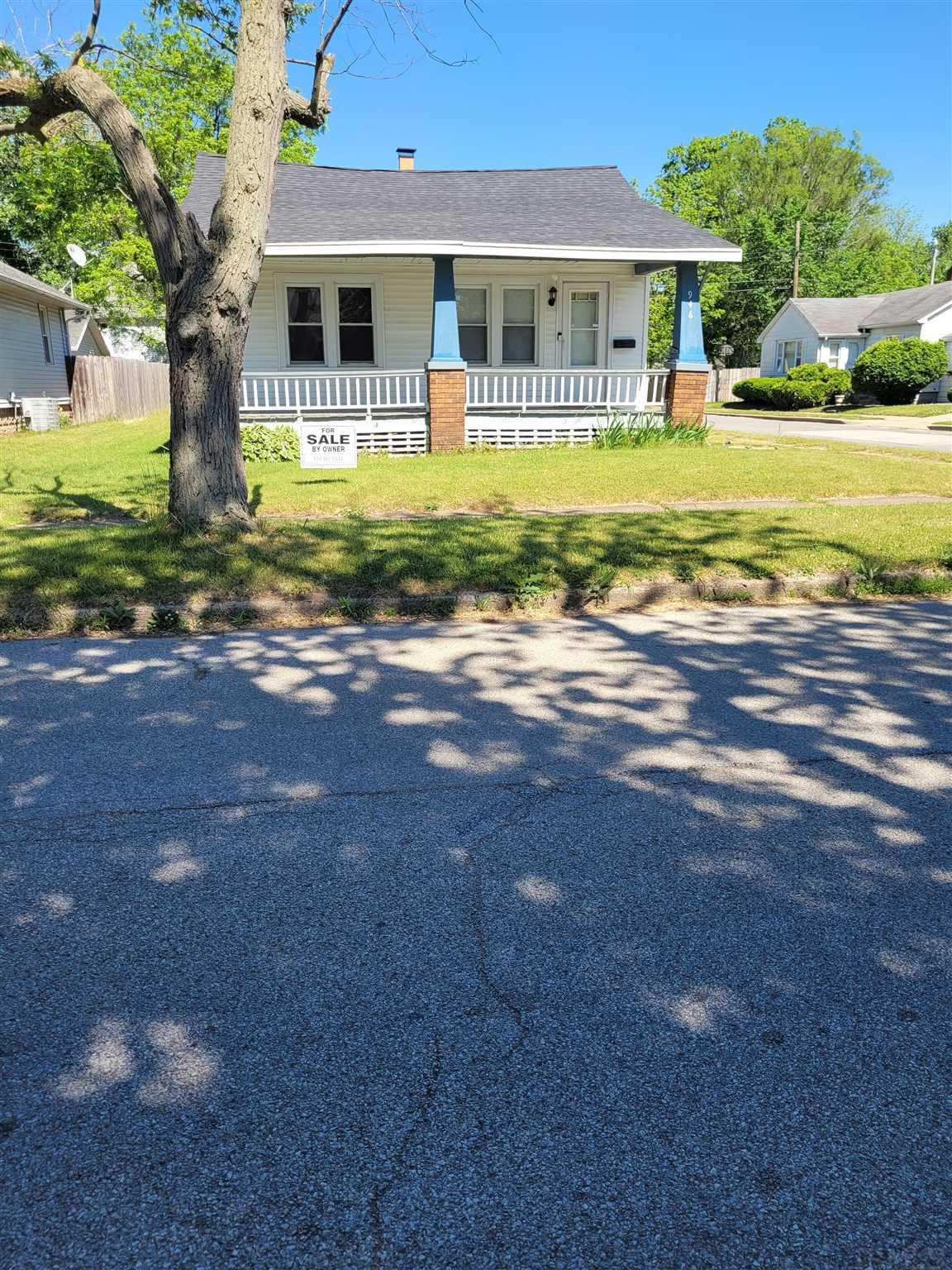 946 S 34th South Bend, IN 46615