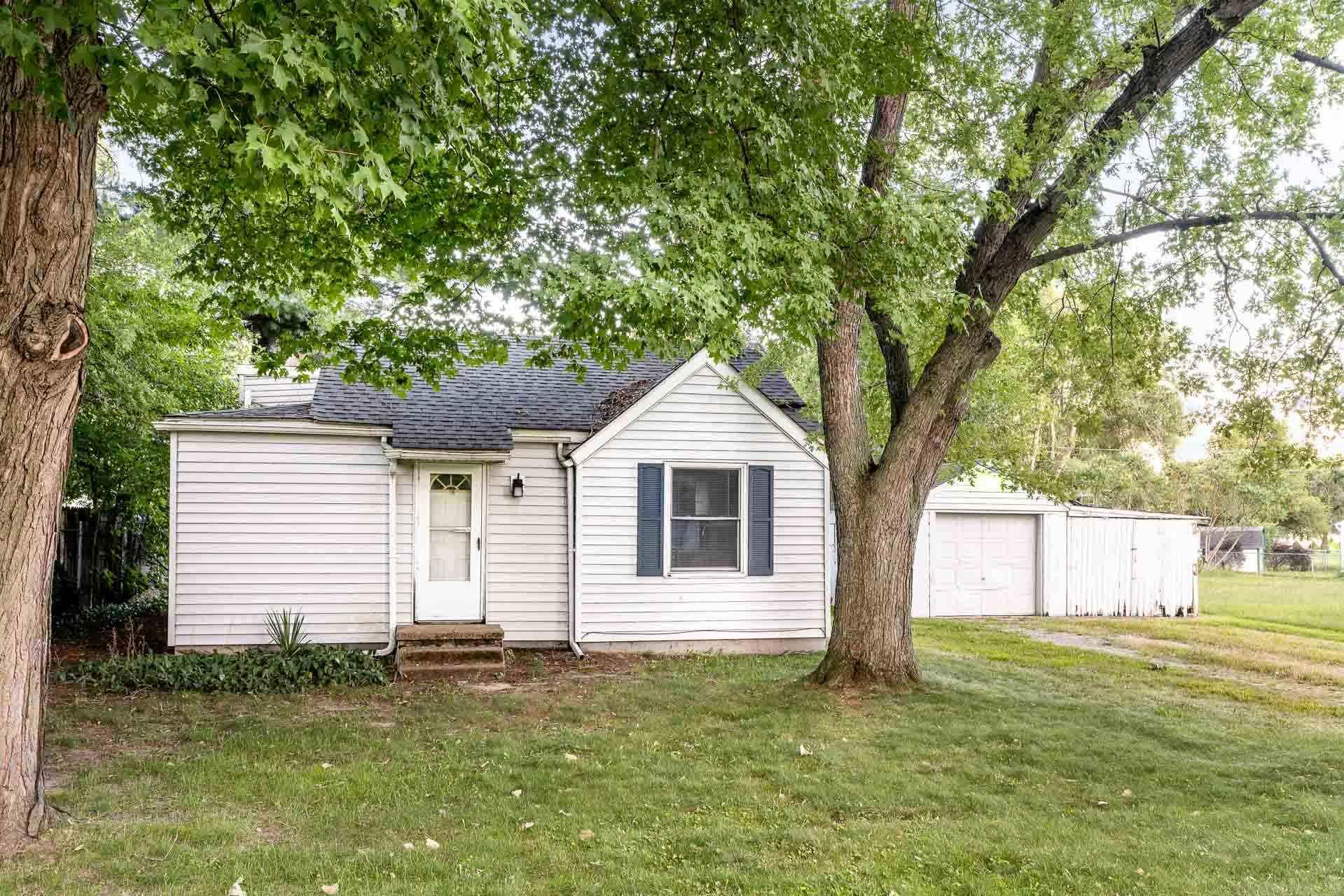 52712 Forestbrook South Bend, IN 46637