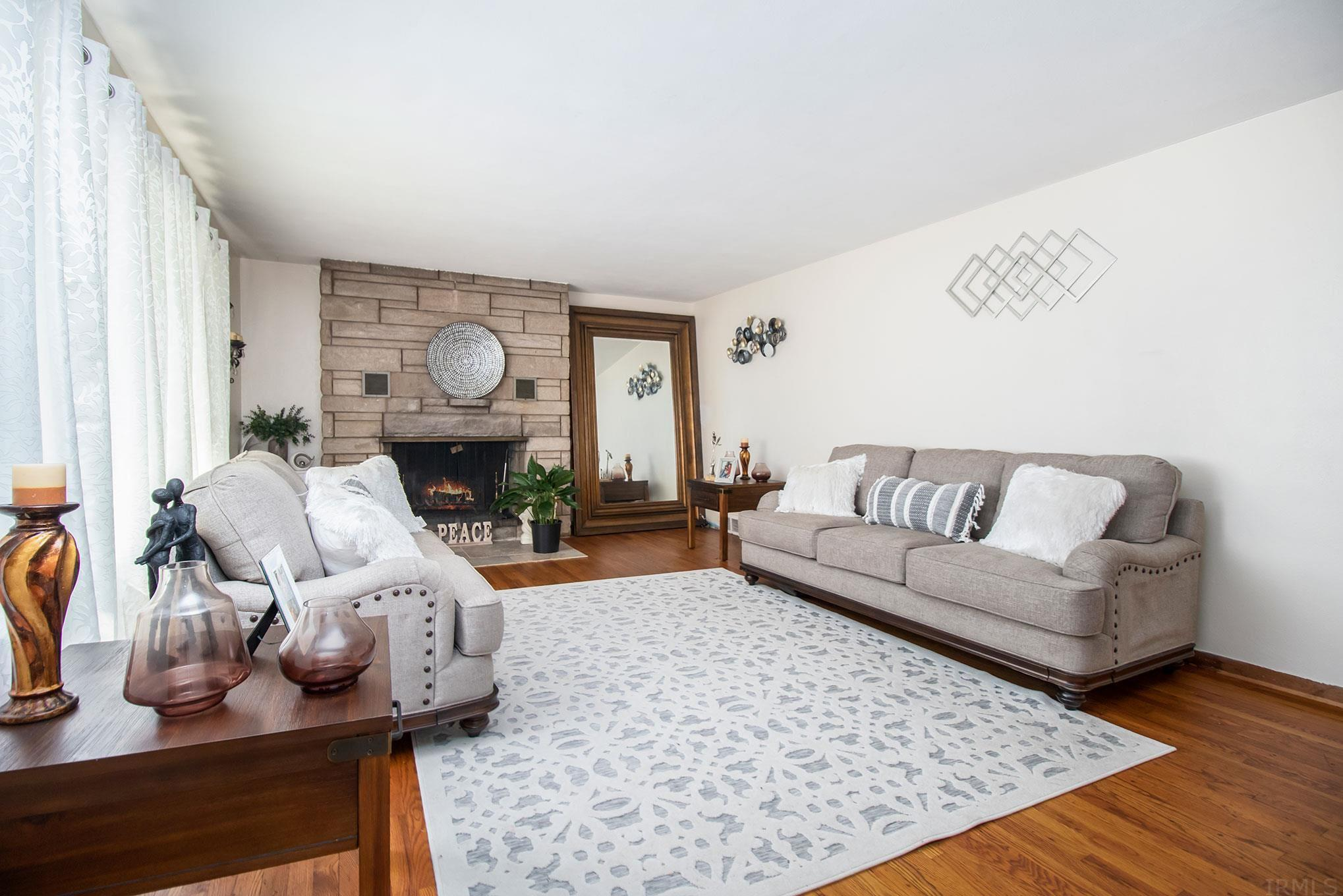 3621 Elwood South Bend, IN 46628