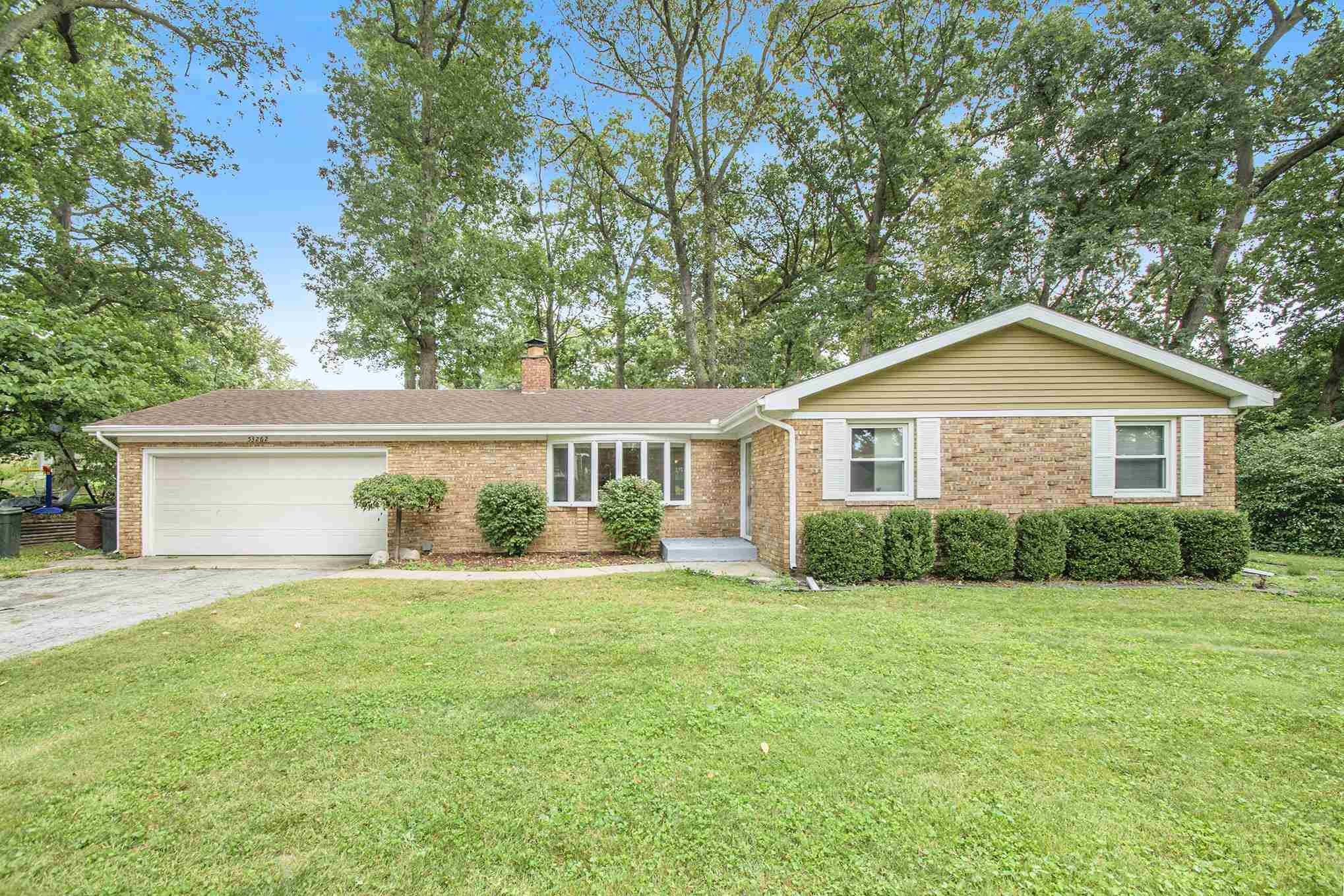 53262 Crestview South Bend, IN 46635