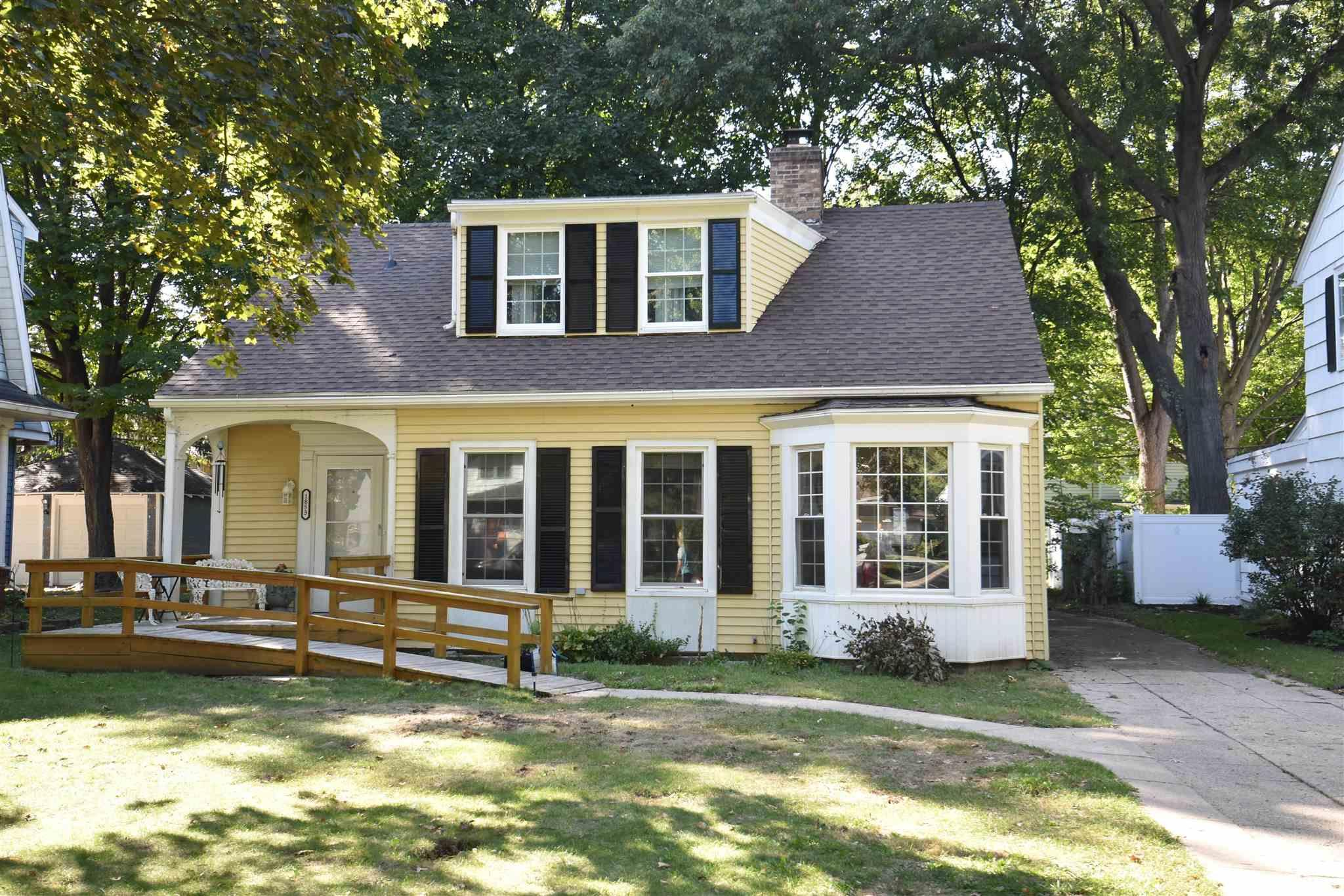 1853 N Adams South Bend, IN 46628