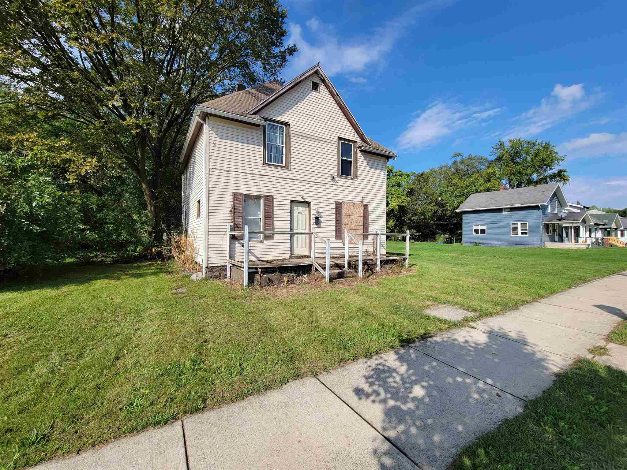 813 Diamond South Bend, IN 46628