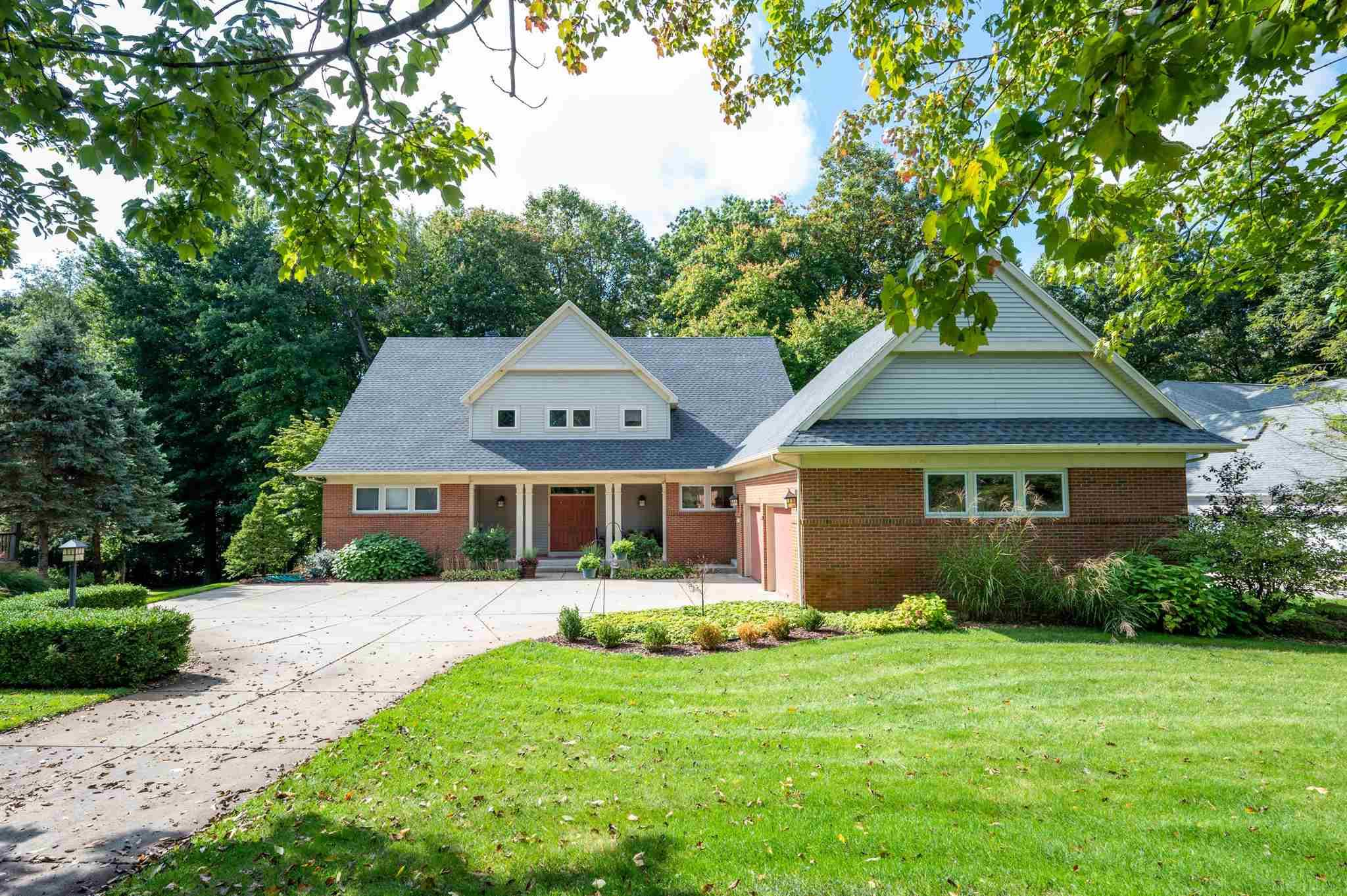 26164 Twin Lakes South Bend, IN 46628