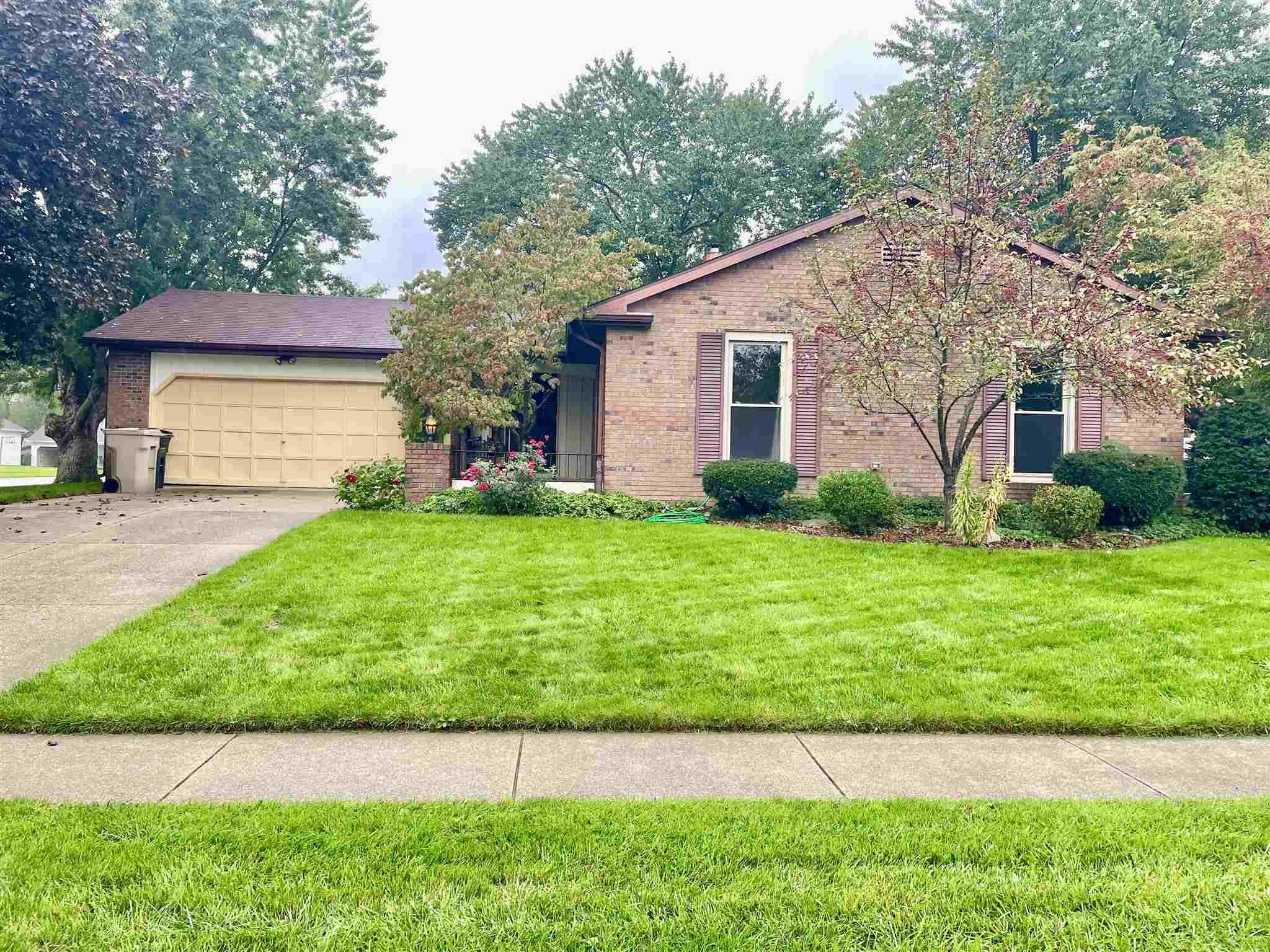 5569 Colonial South Bend, IN 46614