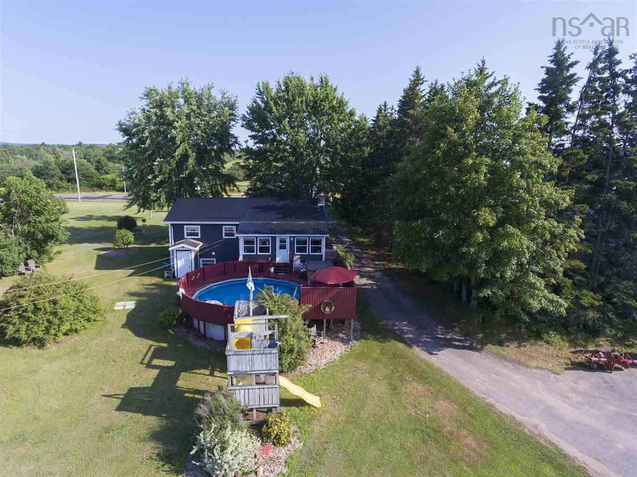 A wonderful opportunity to own your own family business in the heart of the Annapolis Valley. Ideally located with access to the highway and quick commute to the town of Berwick with all the amenities you'll need. Excellent class 1 soils with ponds to help with the irrigation and 35 workable acres. Offering a very comfortable primary residence with a sun room and pool. This home is well suited to family living and entertaining. Warehouse and office, shed, large container, 3 bedroom rental house, and a well established farmers market to sell your produce is also part of the package.