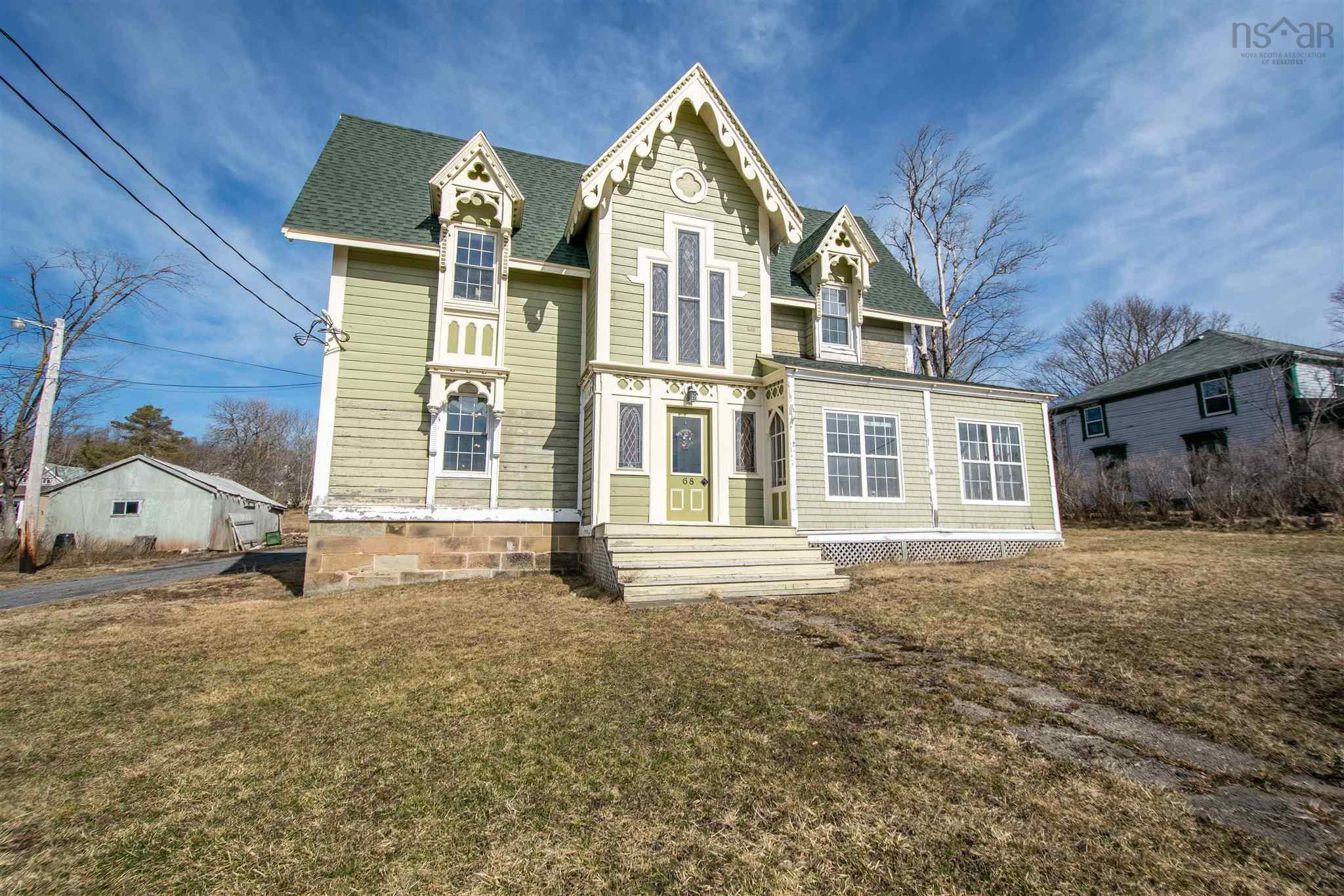 68 Front Street, Pictou, Pictou, NS, United States B0K 1H0, 5 Bedrooms Bedrooms, ,5 BathroomsBathrooms,For Sale,68 Front Street,202108631